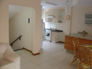 4 bedroom Guest house with A/C in Bombinhas - Bombinhas vacation rentals
