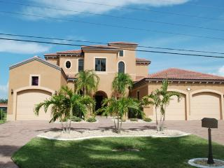 Perfect Villa with Internet Access and Dishwasher - Cape Coral vacation rentals