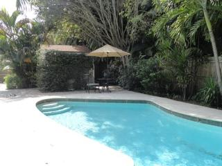 Royal Palm Cottage Private Close to Beaches - West Palm Beach vacation rentals