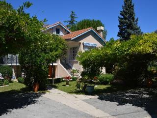 L´OASIS, VILLA DE CHARME PANORAMIQUE **** et son parc de 2300m2 Drôme provencale - Buis-les-Baronnies vacation rentals