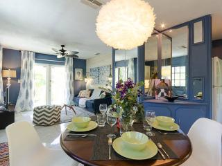 Artsy Cottage near Downtown - Saint Petersburg vacation rentals