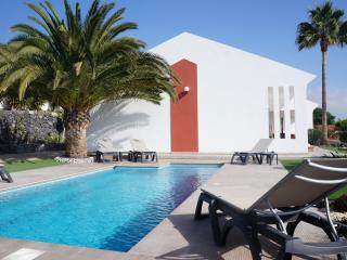 Beautiful villa for 8 people, private heated pool - Santa Cruz de Tenerife vacation rentals