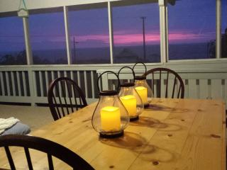 Beautiful Cottage with Internet Access and Balcony - Milolii vacation rentals