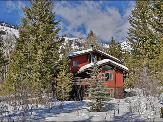 Ski Home To Your Back Door - Beautiful 3-Level Private Home (3498) - Jackson vacation rentals