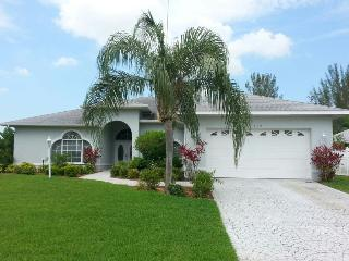 Villa Sundrops Coral FL,  3/2  heated Pool - Cape Coral vacation rentals