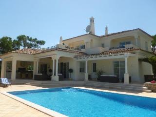 Pinheiros Altos 75 - Quinta do Lago vacation rentals