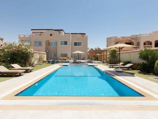 Roof Apartment sea &pool view. - Hurghada vacation rentals