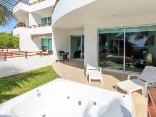 Comfortable House with A/C and Shared Outdoor Pool - Playa del Carmen vacation rentals