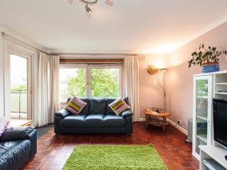 Bright 3 bedroom Condo in Edinburgh - Edinburgh vacation rentals