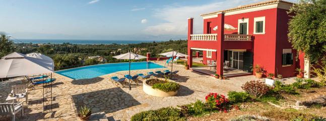 Stylish Regina Rossa with panoramic sea views ! - Roda vacation rentals