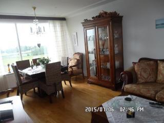 Nice 2 bedroom House in Kopavogur - Kopavogur vacation rentals