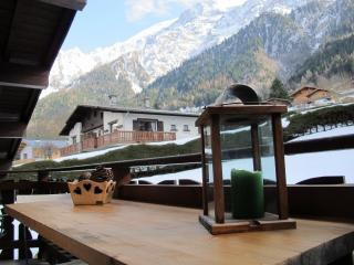 "Beau T2  Chalet ""Les Lilas"" - Les Houches vacation rentals"