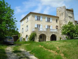 Nice Gite with Washing Machine and Central Heating - La Begude-de-Mazenc vacation rentals