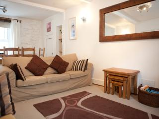 Comfortable 3 bedroom Saint Ives Cottage with Internet Access - Saint Ives vacation rentals