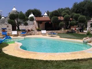 trullo 11coni con piscina - San Michele Salentino vacation rentals
