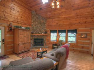 Wonderful House with Hot Tub and Mountain Views - Vilas vacation rentals