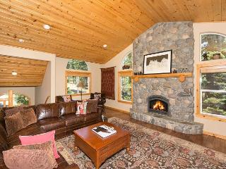 Club Drive - Spacious, 4 BR w/ Hot Tub & Pool Table - Tahoe City vacation rentals