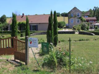 Guest House @ Douceur de Vivre on Canal du Centre - Dennevy vacation rentals