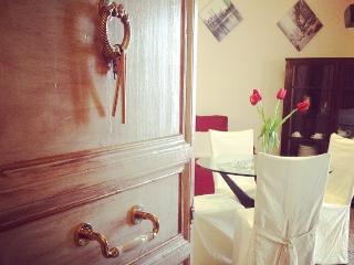 Casa Tulipano confortevole in centro - Montelepre vacation rentals