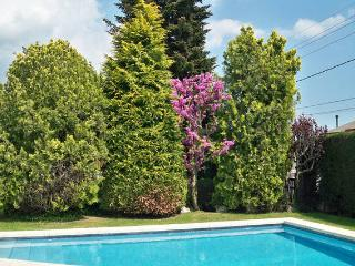 Lovely house with pool on the foot of Montseny - Sant Esteve de Palautordera vacation rentals