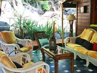 Habitation Colas bungalow coconut - Pointe-Noire vacation rentals
