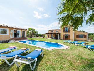 VELAR - Property for 8 people in MURO - Muro vacation rentals