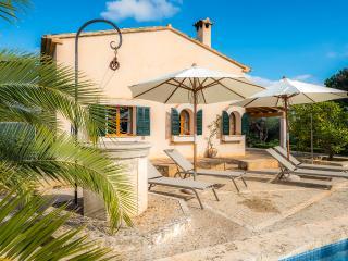 VISTA ALEGRE - Property for 6 people in Manacor - Cala Mandia vacation rentals