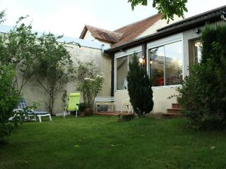 Cozy 2 bedroom Bonny-sur-Loire House with Internet Access - Bonny-sur-Loire vacation rentals