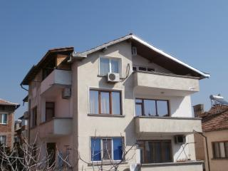 3 bedroom Guest house with Internet Access in Sandanski - Sandanski vacation rentals