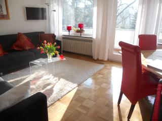 Vacation Apartment in Bonn - 6372 sqft, quiet, sunny, central (# 8082) - Bonn vacation rentals