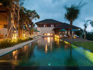 Comfortable 5 bedroom Tanah Lot Villa with Television - Tanah Lot vacation rentals