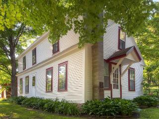 Bright 4 bedroom House in Killington - Killington vacation rentals