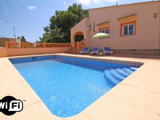 Comfortable Villa with Internet Access and Washing Machine - Calpe vacation rentals