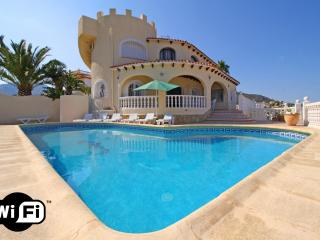 Bright Villa with Internet Access and Washing Machine - Calpe vacation rentals