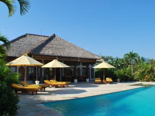 Villa Cerah, Paradise Holiday House - Gold Award - Seririt vacation rentals