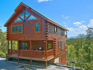 Bright 4 bedroom Pigeon Forge Cabin with Internet Access - Pigeon Forge vacation rentals