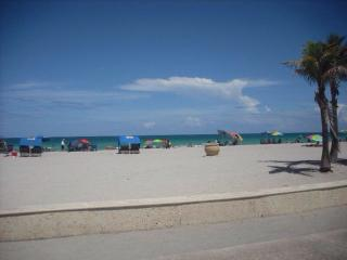 Nice Condo with Internet Access and A/C - Pompano Beach vacation rentals