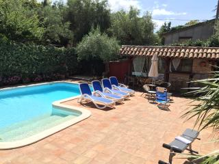 Appartamento in Villa Giovanna +1000 mq giardino. - Catania vacation rentals
