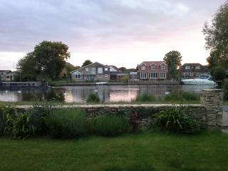 Staines (nr Windsor, Heathrow, West London) - Staines vacation rentals