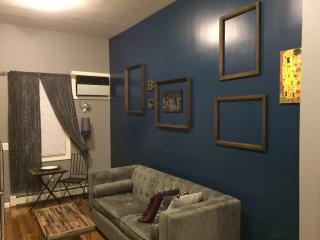 Entire 1 br apt 10 mins from NYC Times Square - Union City vacation rentals