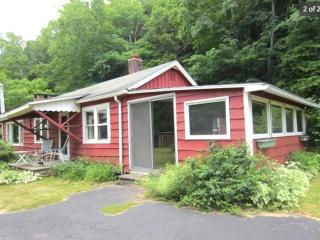 Nice Bungalow with Internet Access and Short Breaks Allowed - Shandaken vacation rentals