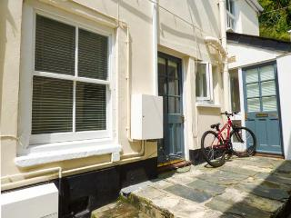 CHELSEA HOUSE, town centre location, pets welcome, open plan, in Penryn, Ref. 926565 - Penryn vacation rentals
