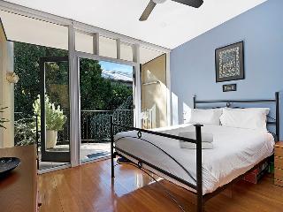 BALMAIN Roseberry Street - Balmain vacation rentals
