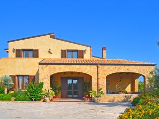 4 bedroom House with DVD Player in Gangi - Gangi vacation rentals