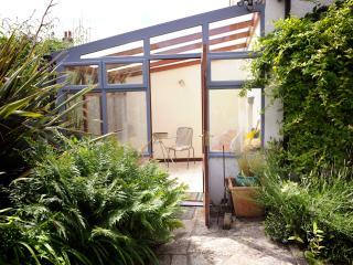 1 bedroom Condo with Internet Access in Axbridge - Axbridge vacation rentals
