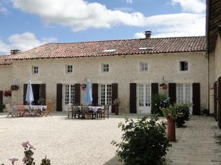 La Maison du Jardin - Chef-Boutonne vacation rentals