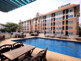 C-House Amata City Rayong - Rayong vacation rentals