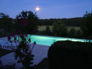 Nice Farmhouse Barn with Internet Access and Dishwasher - Grand Brassac vacation rentals