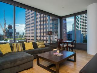 Modern 2 Bedroom Apartment in Downtown - Los Angeles vacation rentals