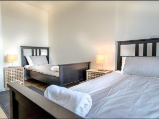 3 Bedroom Apartment in Holborn BH0629 - London vacation rentals